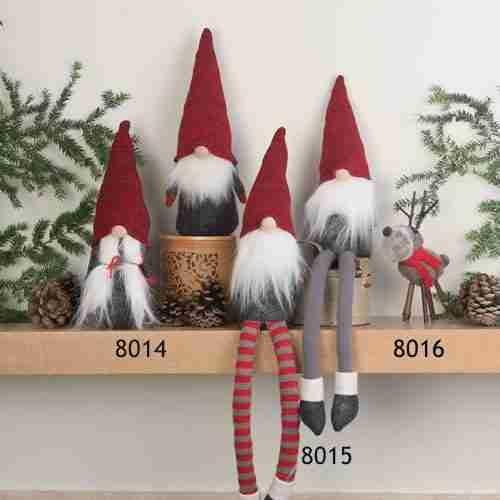 Tomte Shelf Sitters - Standing Couple