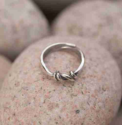Sterling Knute Ring